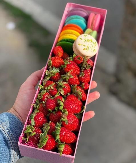 Macarons&Strawberry